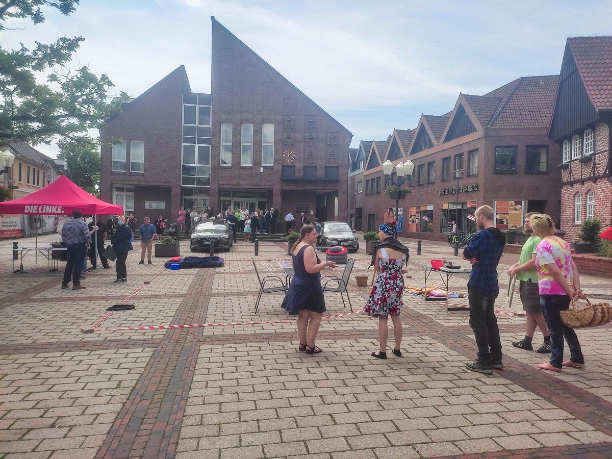 LINKE Mietenaktion Marktplatz Wildeshausen 2021